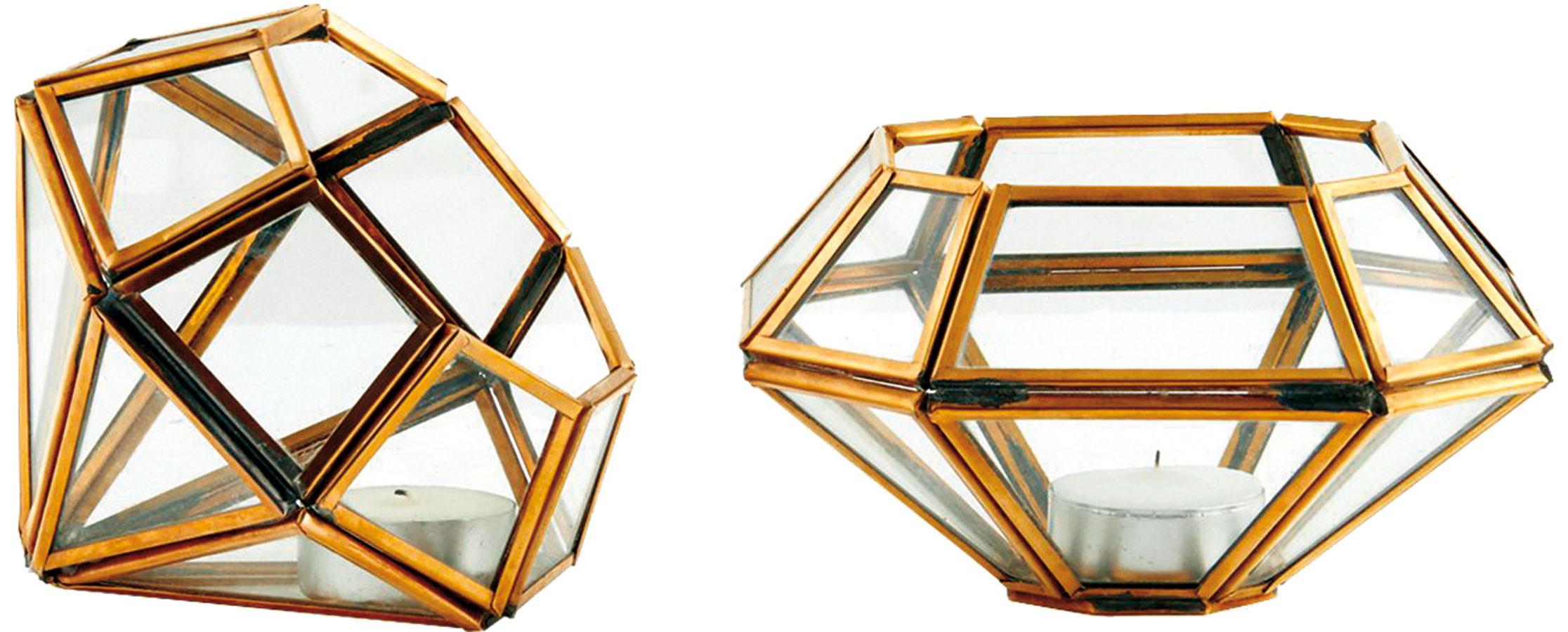Na prstenník, prosím. Svietniky House Doctor vpodobe diamantov kombinujú ženskosť, klasický štýl aj modernú geometriu.