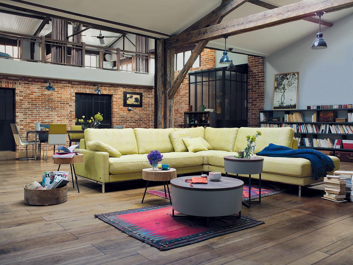 Rekonštrukcie netradičných priestorov ožijú, ak ich náladu pozdvihnete niekoľkými výraznými gestami.