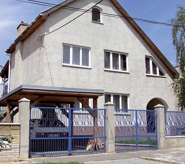 Plot, ktorý podporí charakter domu