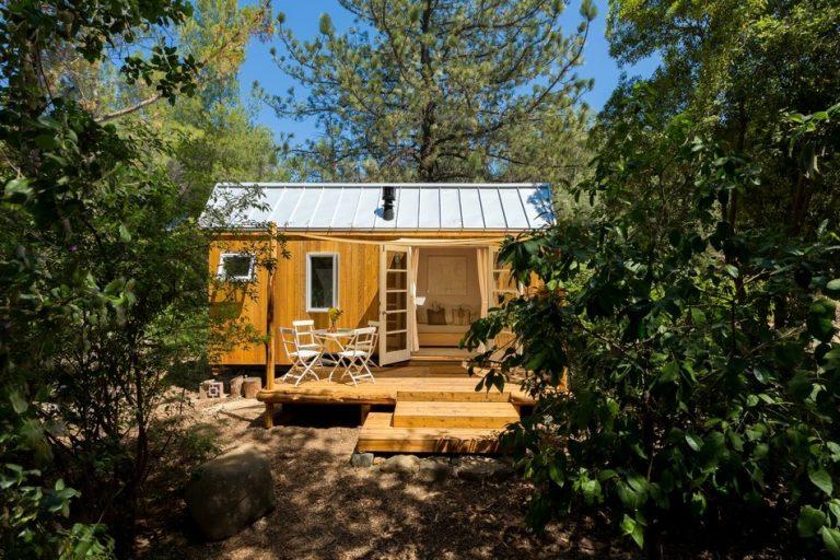 Postavila si dom s rozlohou 13 metrov štvorcových a nič jej nechýba