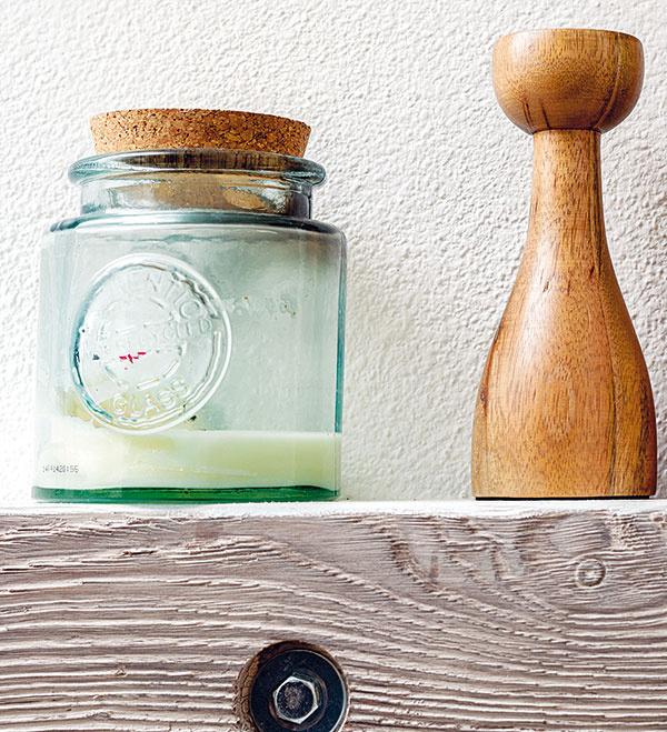 Ak nestihnete nič napiecť, doprajte si aspoň vôňu. Vanilková sviečka prevonia byt takmer ako najlepší koláčik od starkej.