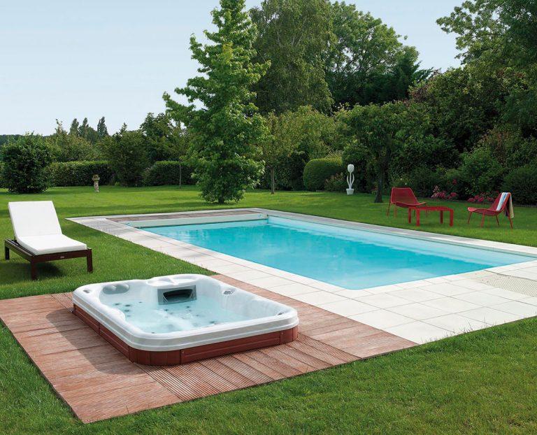 Ako dosiahnuť, aby bola voda v bazéne priezračná a zdravotne neškodná?