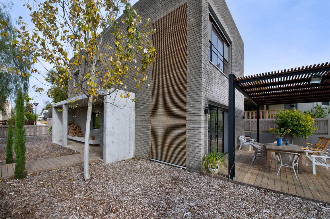 Pokojné izraelské sídlo pre otca so synom – Kibuts House