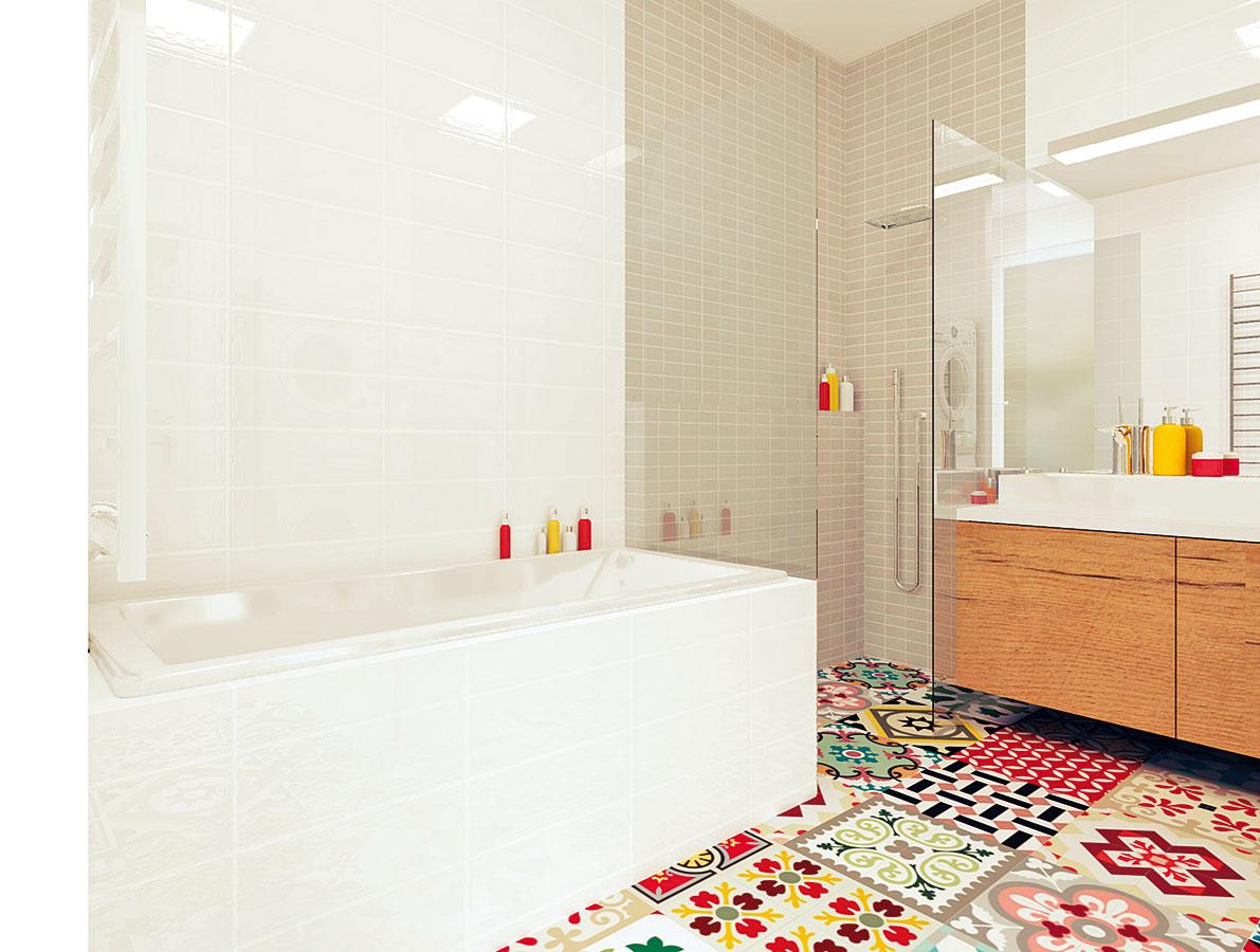 Sprchovací kút vyplnil roh miestnosti medzi umývadlom avaňou. Jeho proporcie sú aj vďaka subtílnym skleneným stenám pomerne veľkorysé.
