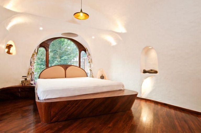Na ploche 65 metrov štvorcových vytvorili originálny byt plný organických tvarov