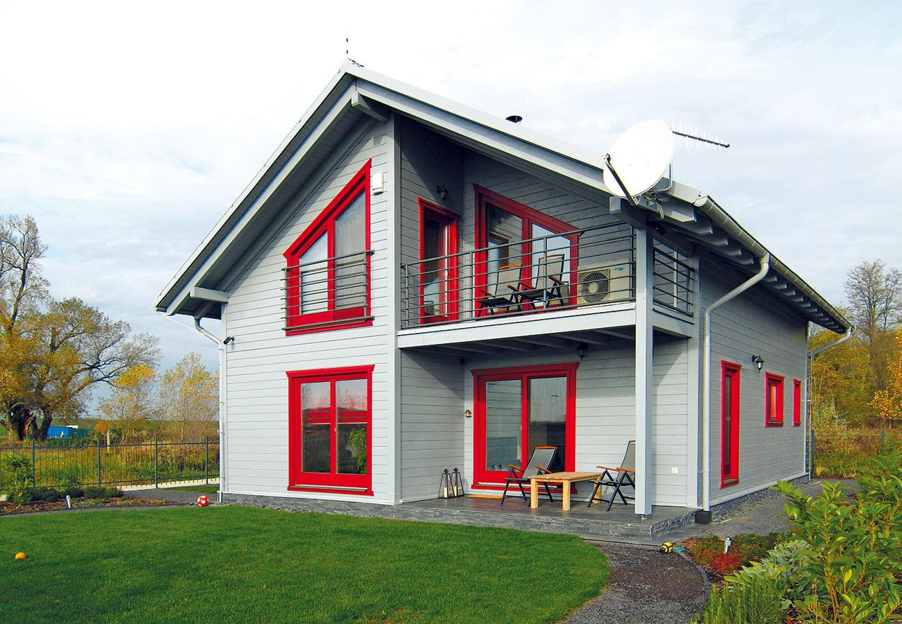 Typový nízkoenergetický zrubový rodinný dom Silvia dom od firmy Drevodom Orava je určený 4- až 6-člennej rodine. Je zaradený do energetickej triedy B.