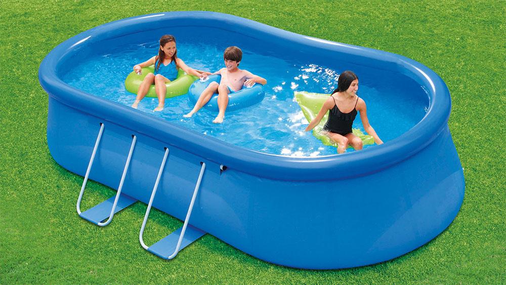 Nafukovacie bazény Swing sú najrýchlejšou cestou na kúpanie. Na trhu sa predávajú ako kruhové, tak novo aj oválne, a to v cenách, vrátane filtrácie, už od 58 €.