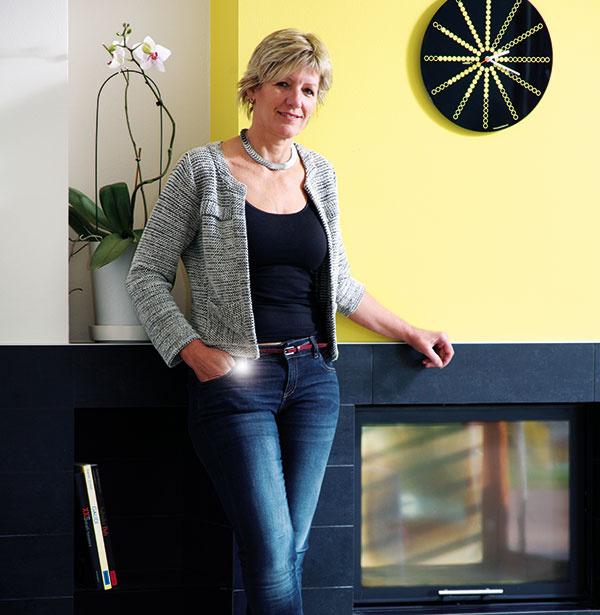 Ing. arch. Hana Liškutínová(1960) Študovala na VUT vBrne, vsúčasnosti má vlastný architektonický ateliér. Je členkou České komory architektů. Vroku 2005 získala za Squash Centrum vTřinci cenu Stavba roku vyhlásenú mestom Třinec.
