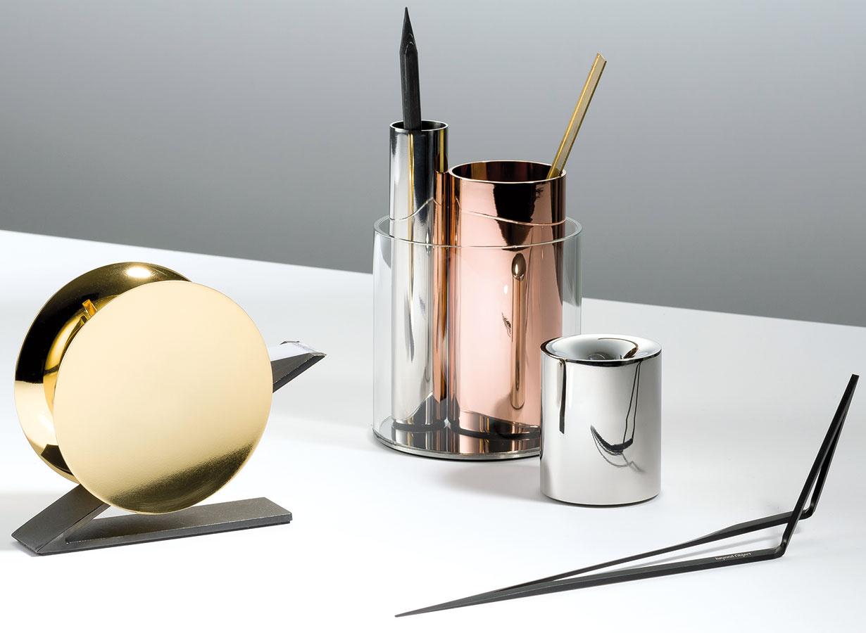 Vzletná elegancia kancelárskych doplnkov značky Beyond Object (kolekcie Lino, Penpo, Cantili, Funno) dotiahla tému office dizajnu do dokonalosti. Predstavené boli taktiež vrámci Designjunction edit Milan.