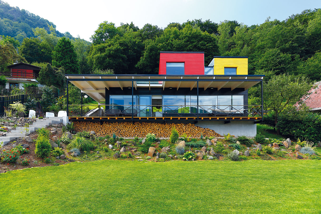 "Rodinný dom ""Včelín"" od ateliéru 3+1 architekti. ("