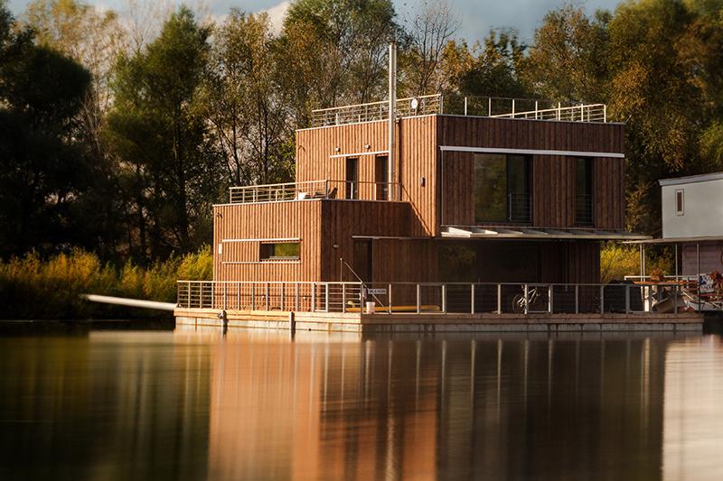 Nízkoenergetický plávajúci dom