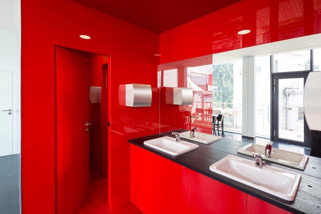 6 x interiér vo farbe vášne a ohňa