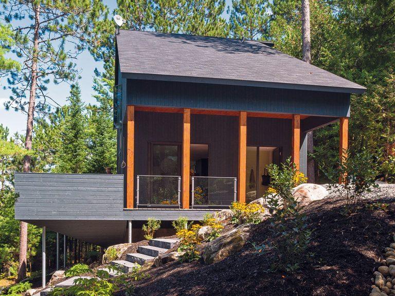 Nízkonákladový dom postavili na základoch niekdajšej rekreačnej chaty