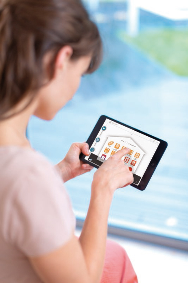 TaHoma® rozhranie. Cez úvodnú obrazovku môžete riadiť svoj domov a dohliadať na všetko potrebné – pomocou troch menu jednoducho ovládate všetky funkcie.