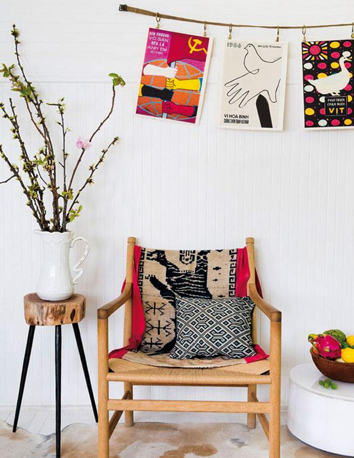 Nový život tapisérie sručne vyšívaným vzorom tigra môže mať podobu prikrývky na kreslo. Originál zvietnamského Hanoja, 166,22 €, www.projectbly.com
