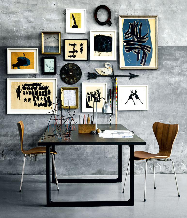 Vštýle elegantnej moderny. Subtílny minimalistický nábytok privíta aj výraznejšiu kompozíciu (nielen) exotických prvkov. Štýlový kontrast (jednoduchosť – výstrednosť) je spoľahlivou voľbou pre elegantné interiéry sexotickým šmrncom.