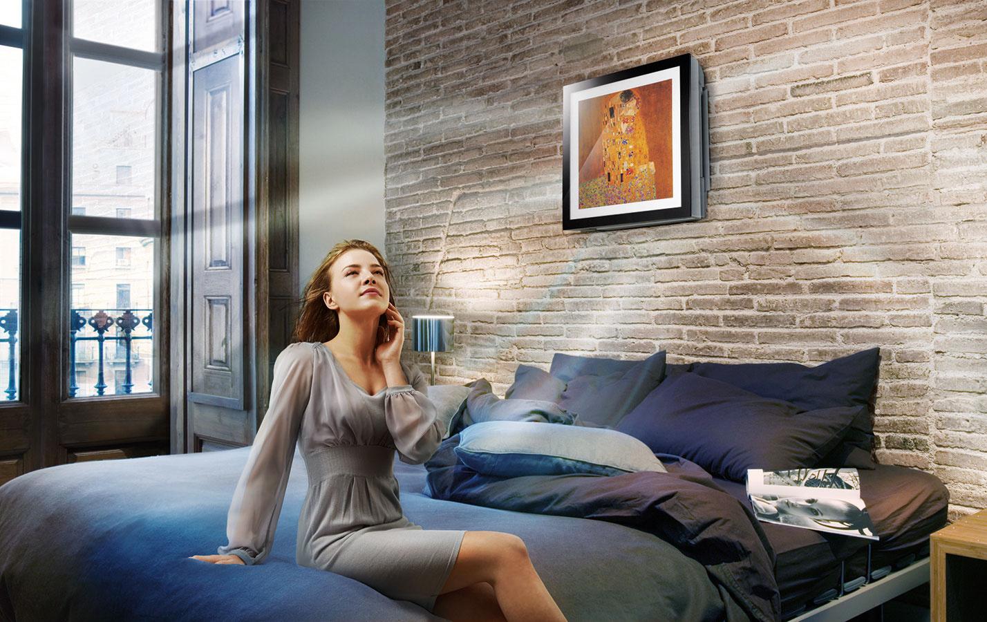 LG Artcool Gallery   Táto nástenná klimatizácia je zároveň obrazom velegantnom ráme, ktorý možno meniť. Získala niekoľko prestížnych ocenení za dizajn vrátane Red Dot Design Award aiF Product Design Award.