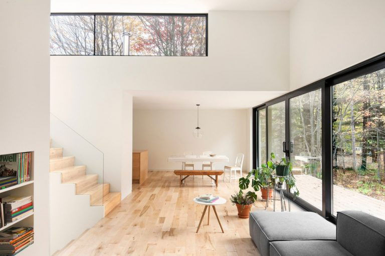 Minimalistický dom navrhnutý pre potreby mladého zamestnaného muža
