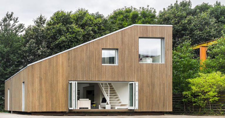 Verili by ste, že tento dom postavili zo starých kontajnerov?