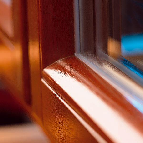 Špeciálne tvarovaná zasklievacia lišta