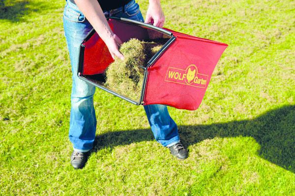 Dokáže divy. Aj zo zdravo vyzerajúceho trávnika po lete vyčeše vertikutátor všetku trávnu plsť. Trávnik tak bude môcť opäť dýchať, prijímať vlahu aj živiny.