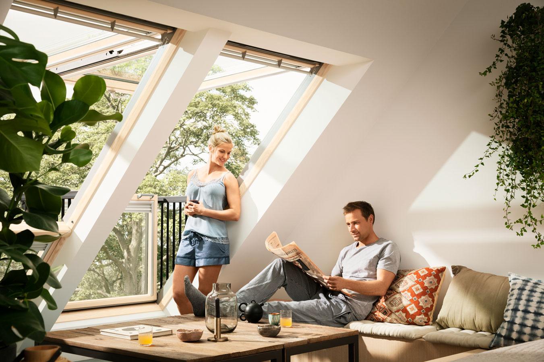 Strešný balkón VELUX CABRIO® umocní pôžitok z bývania pod strechou.
