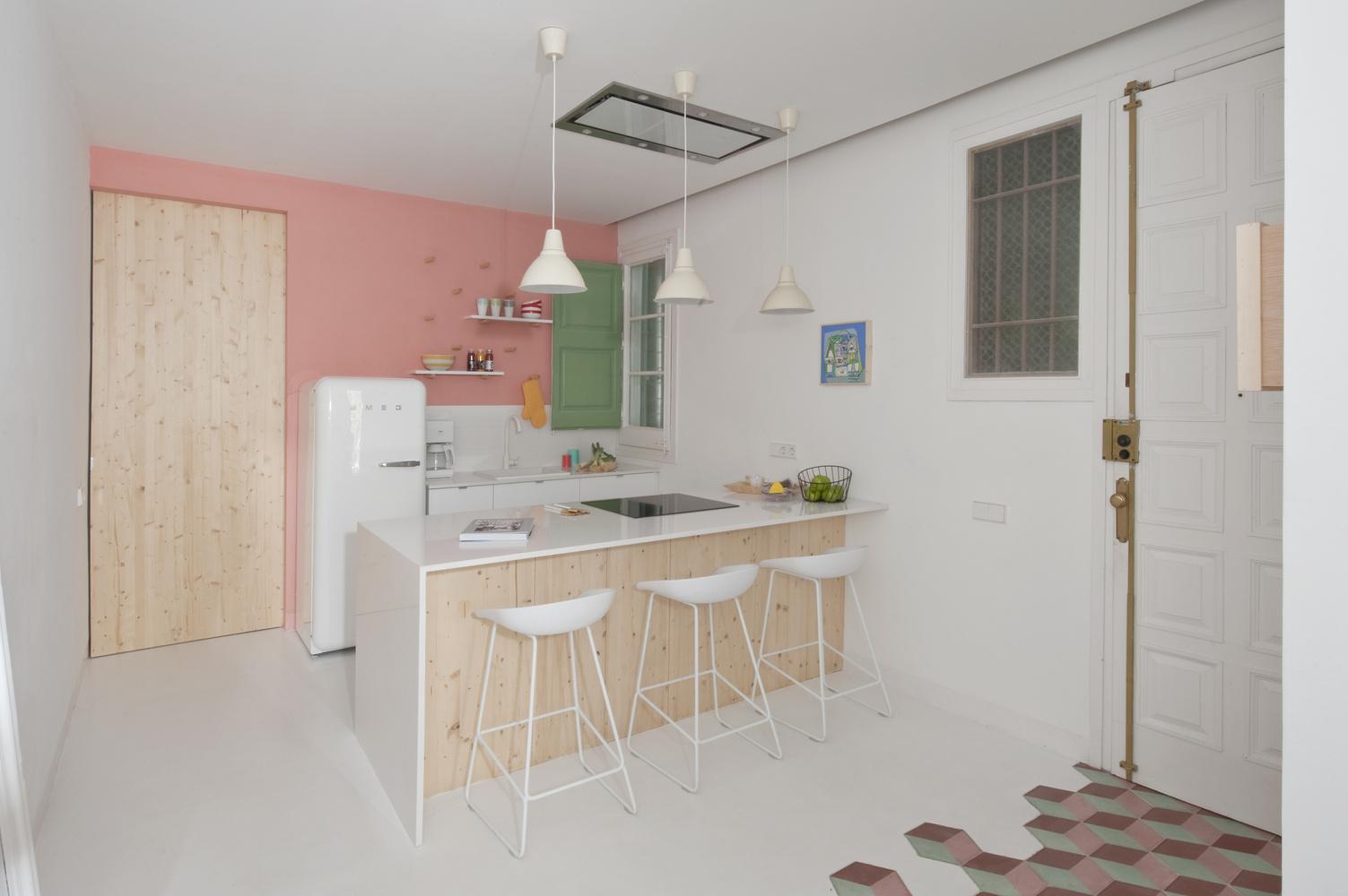 Apartmán v Barcelone zrekonštruovali s ohľadom na pôvodný secesný charakter