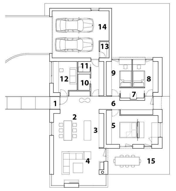 Pôdorys  1 vstup do domu, 2 jedáleň, 3 kuchyňa, 4 obývacia izba, 5 spálňa, 6 chodba, 7 detská kúpeľňa, 8 detská izba, 9 detská izba, 10 kúpeľňa, 11 toaleta, 12 hosťovská izba (v budúcnosti detská izba), 13 technická miestnosť, 14 garáž, 15 terasa