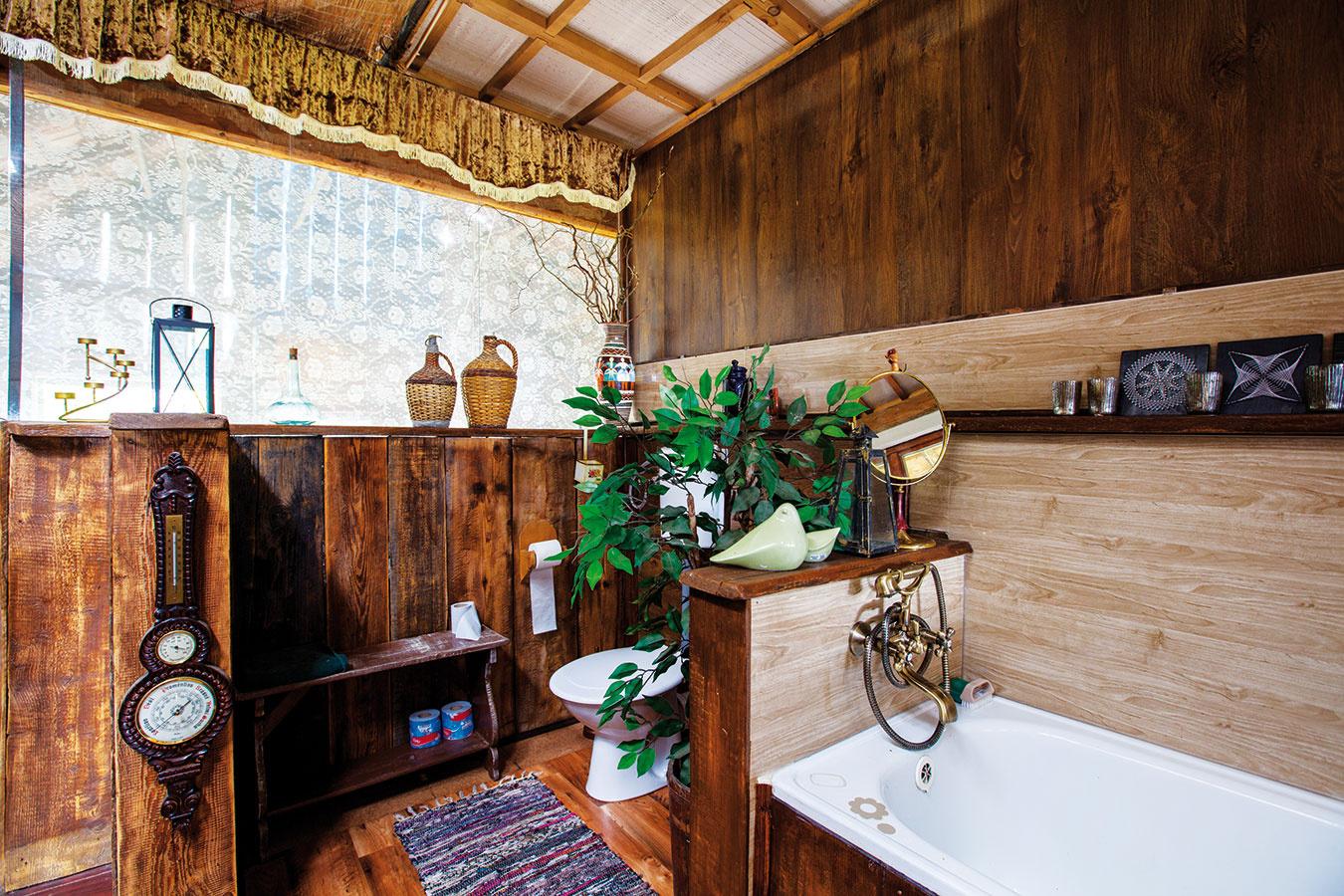 ZBÝVALÉHO PÔJDU sa stala otvorená galéria so spálňou apríručnou kúpeľňou.