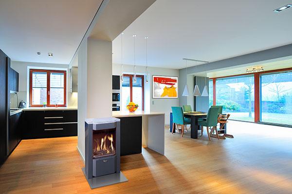 Teplo domova s plynovými krbmi Karma