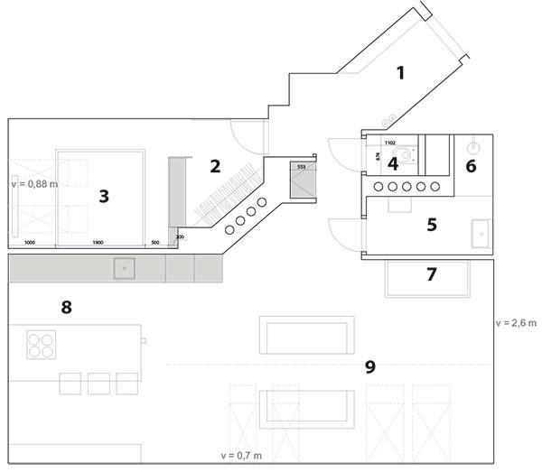 "Pôdorys podkrovia 1 vstupná chodba, 2 šatník, 3 spálňa, 4 WC, 5 kúpeľňa, 6 sprcha, 7 vaňa, 8 kuchyňa s""barovým stolom"", 9 obývačka"