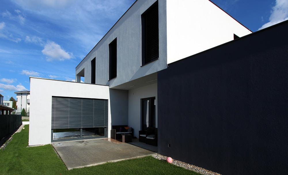 Je možné postaviť tehlový dom za 8 mesiacov?