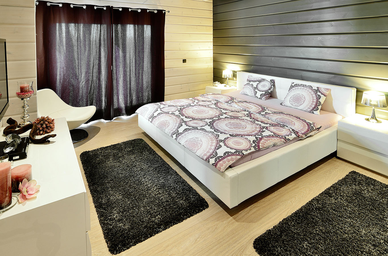 Krodičovskej spálni bol doplánovaný šatník amalá premyslene zariadená kúpeľňa.