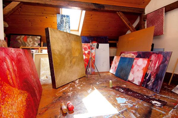 O výtvarne a bývaní