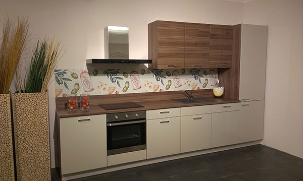Kreatívne riešenia s fotkami, grafikami, farbami v kuchyni