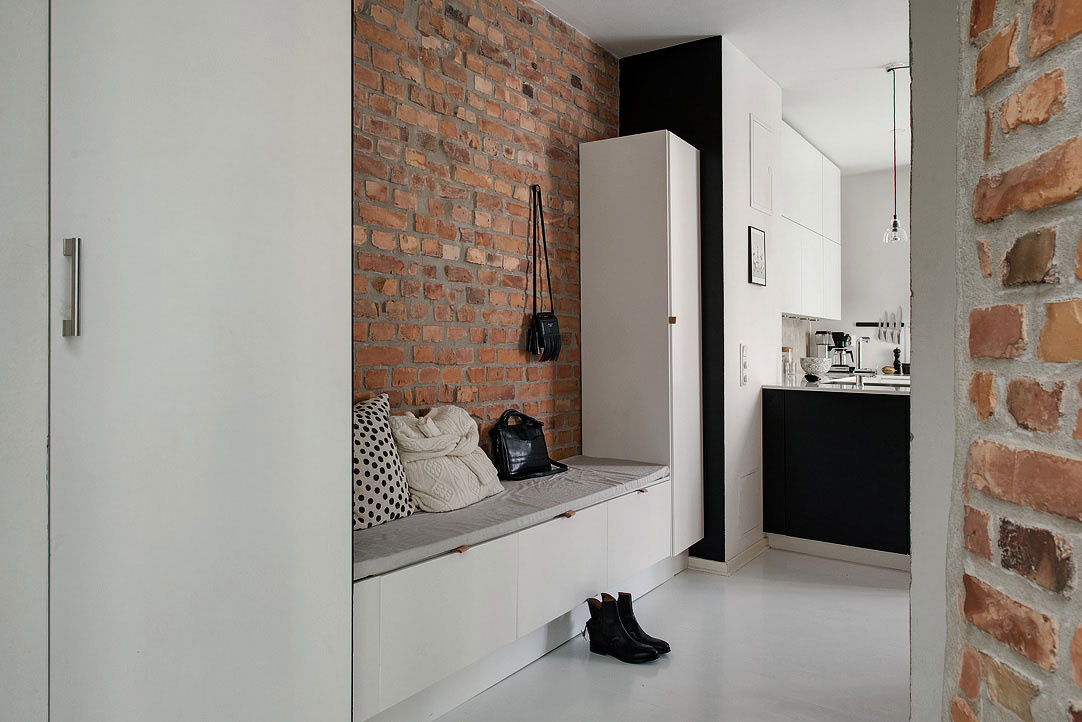 Majitelia dvojizbového bytu s rozlohou 57 m²  sa vkusne popasovali s jeho dispozíciou