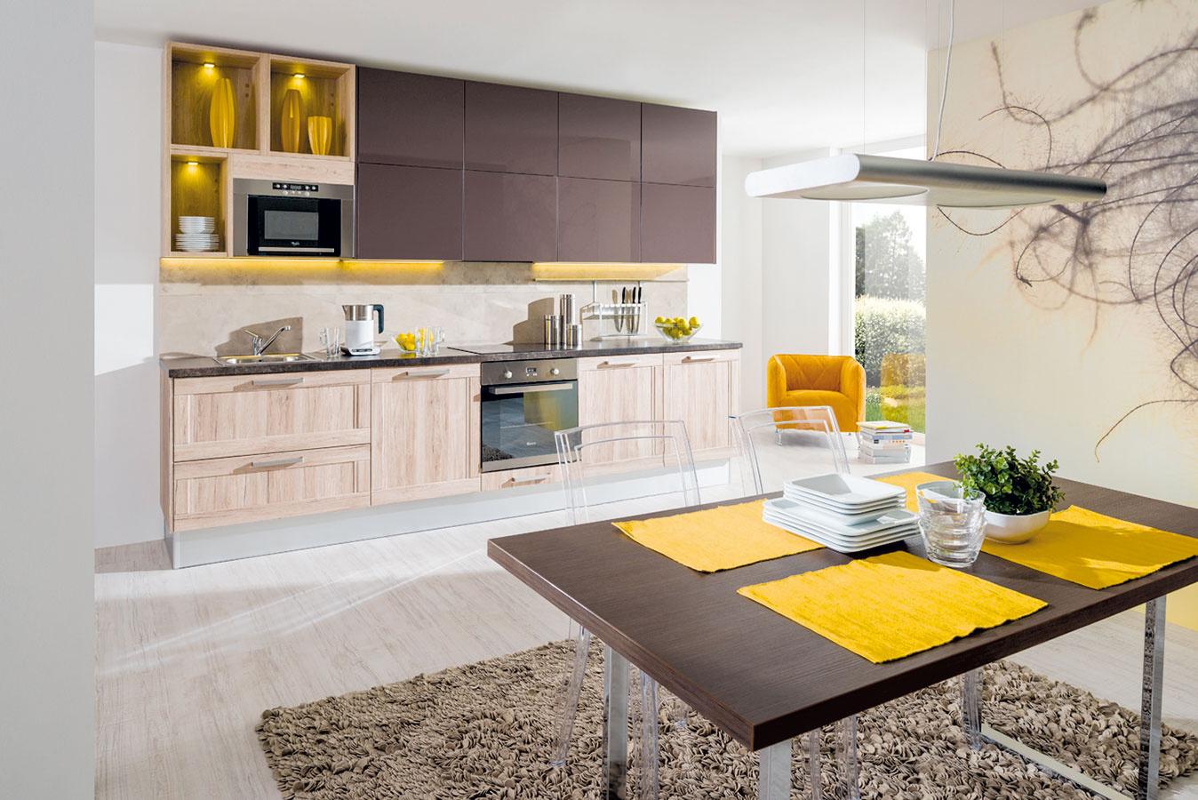 Priama linka nájde uplatnenie najmä vmenších domácnostiach. Ak chcete kuchyňu stakouto dispozíciou, vhodná môže byť aj tá sektorová.