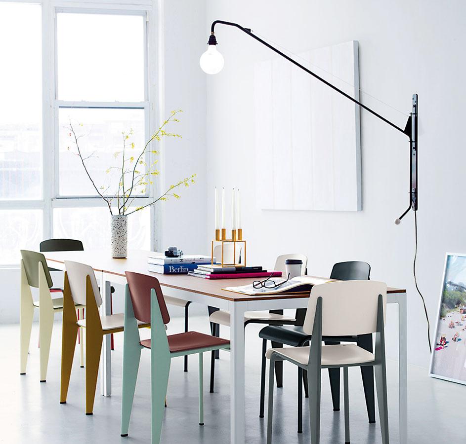 Dizajnová klasika Vitra Potence nestratila od svojho vzniku vroku 1950 nič zo svojej elegancie. Svojou subtílnosťou si rozumie aj so súčasným trendom minimalizmu. (Nájdete vshowroome Konsepti.)