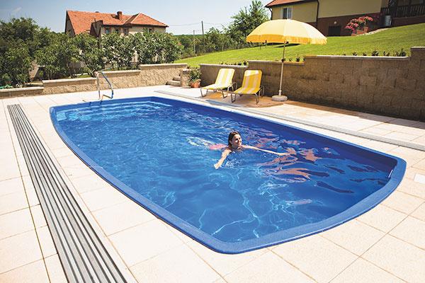 Kto už bazén má, ten si cení najmä to, že sa môže vykúpať kedykoľvek, v súkromí svojho domova, v bezpečí a v pokoji.