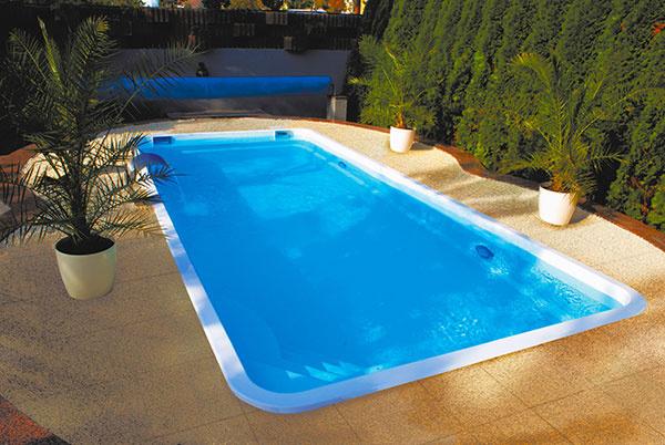 Tohtoročnou novinkou v Mountfielde je rad luxusných sklolaminátových bazénov Tropicana, na snímke je model Hawaii. Nádherný bazén Tropicana sa dá zaobstarať už od 3 622€.