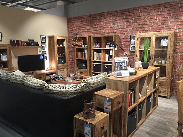 Otvorenie nového obchodného domu Möbelix, v Nitre