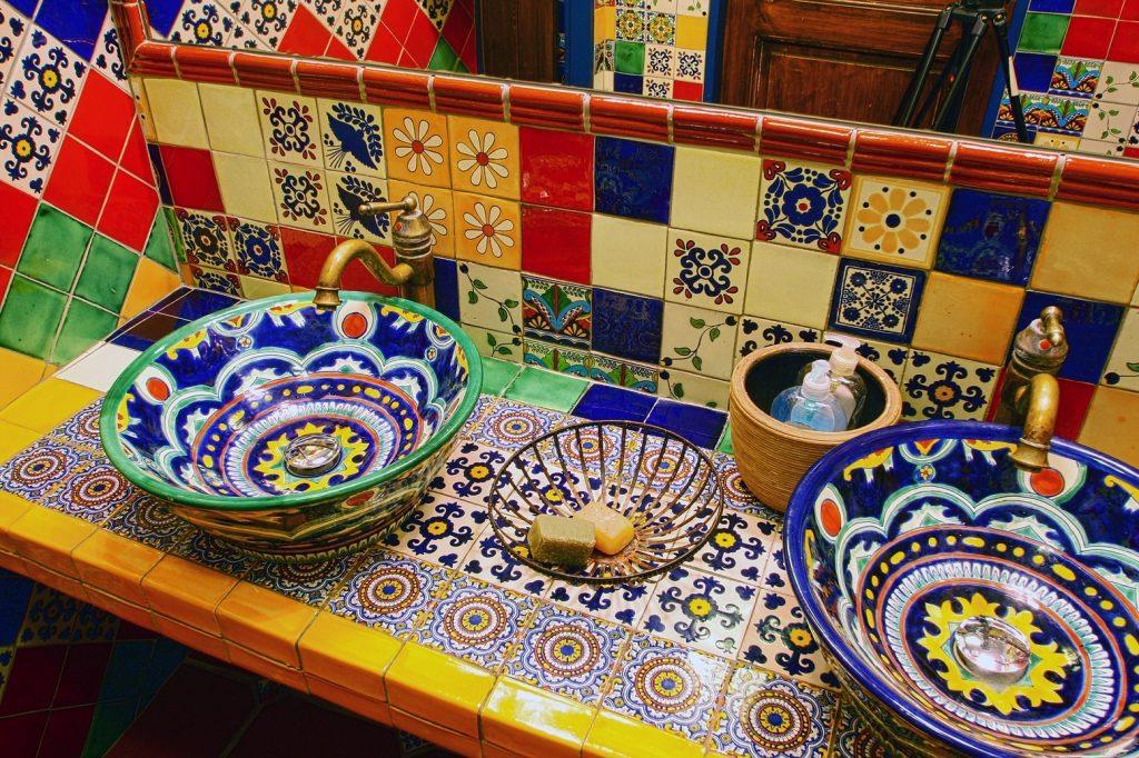 7 tipov, ako si pestro zrekonštruovať kúpeľňu v dome