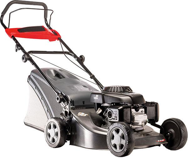 Benzínová kosačka XS 50 MH má šasi vyrobené z odolnej galvanizovanej oceli.