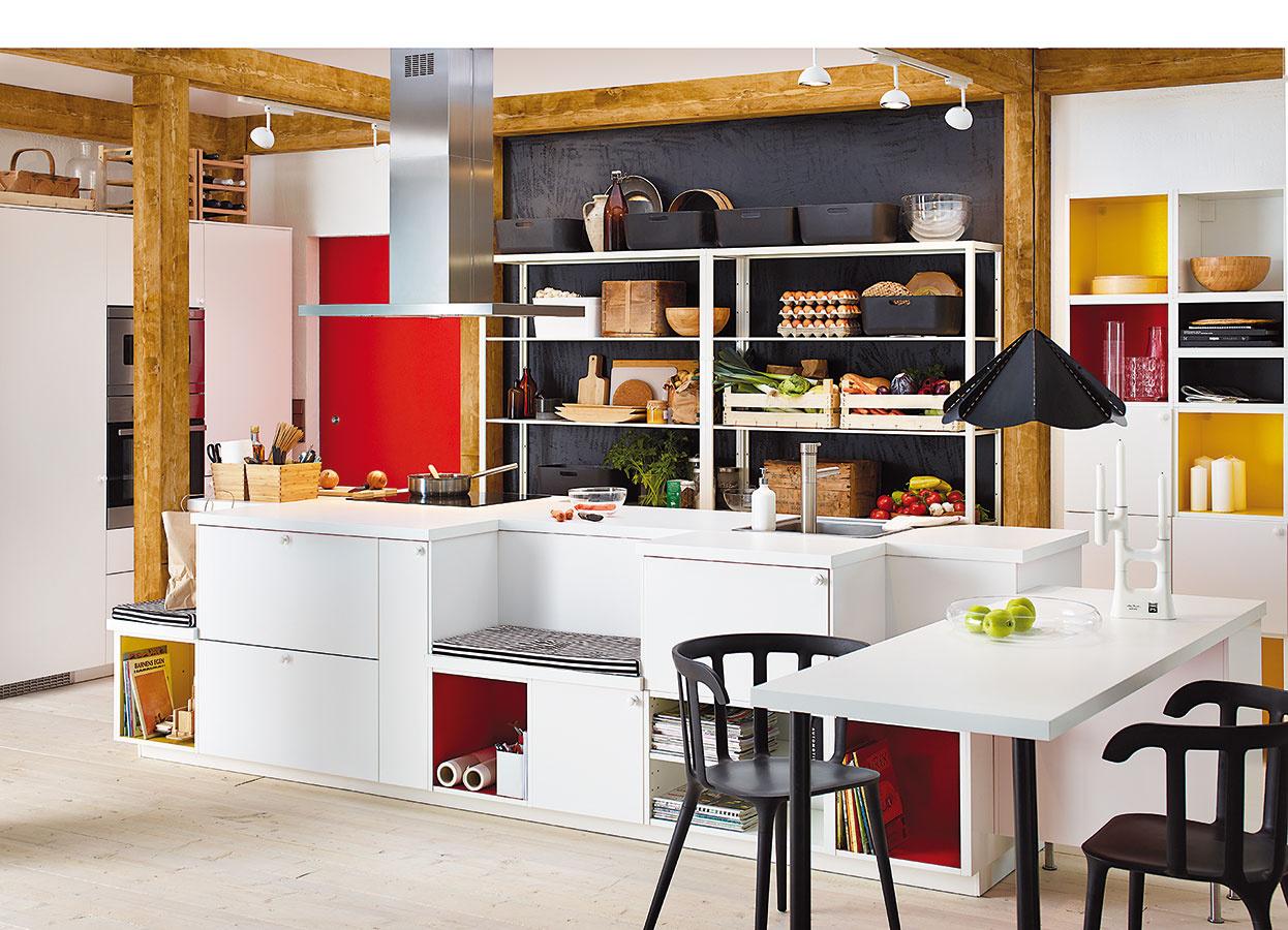 UPRATANÉ RAZ-DVA. Do zásuviek a políc na ostrovčeku poľahky a hlavne rýchlo schováte všetky nepotrebné veci. IKEA
