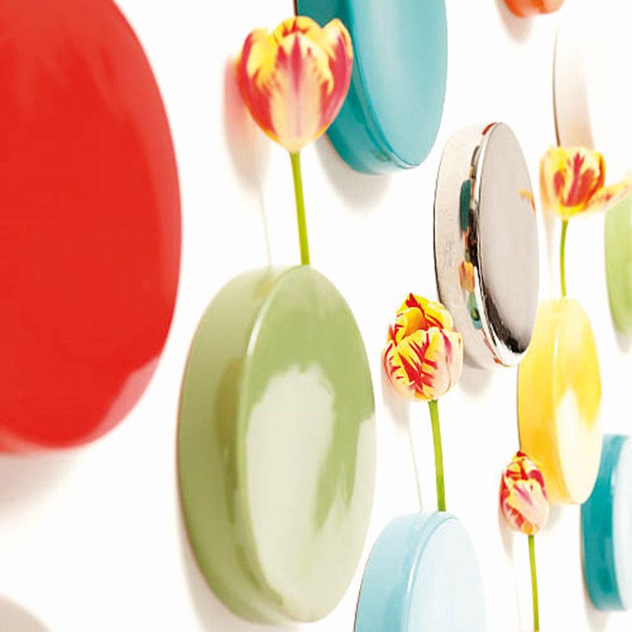 Nástenné vázy Wall Dot od značky Chive, priemer 15,24 cm, viac farieb, 19,92 €, www.chive.com