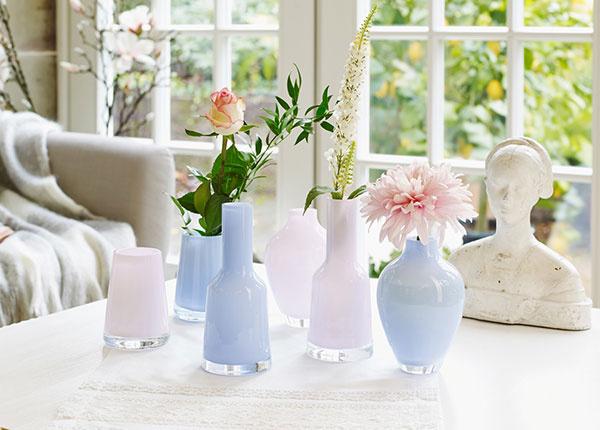 Vyzdvihnite čaro rezaných kvetov zaujímavou vázou