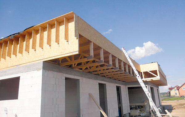 2 Súčasťou koncepcie domu je predsadená atika, ktorá dom vizuálne zatraktívňuje azároveň je aj mimoriadne praktická.