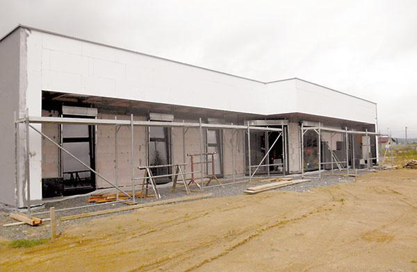 7 Na zateplenie domu sa použil sivý polystyrén shrúbkou 300 mm. Stavba vznikala čiastočne svojpomocne apráve ozateplenie domu sa postaral domáci pán.