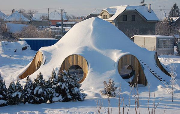 Gernot Minke_kupola v Hrubom Suri