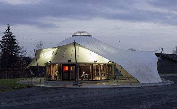 Werner Schmidt_slameny pavilon